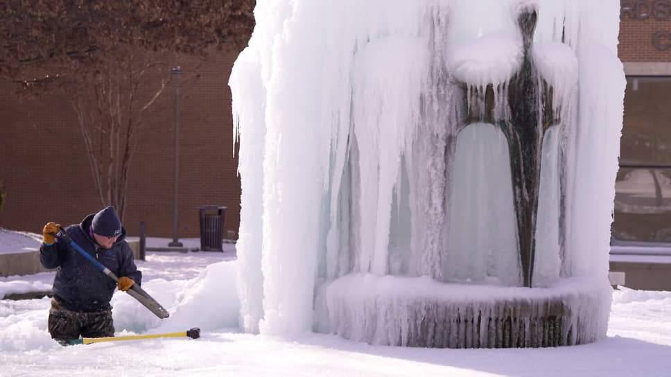 Морозы в Техасе привели к ряду проблем в обществе (ВИДЕО)