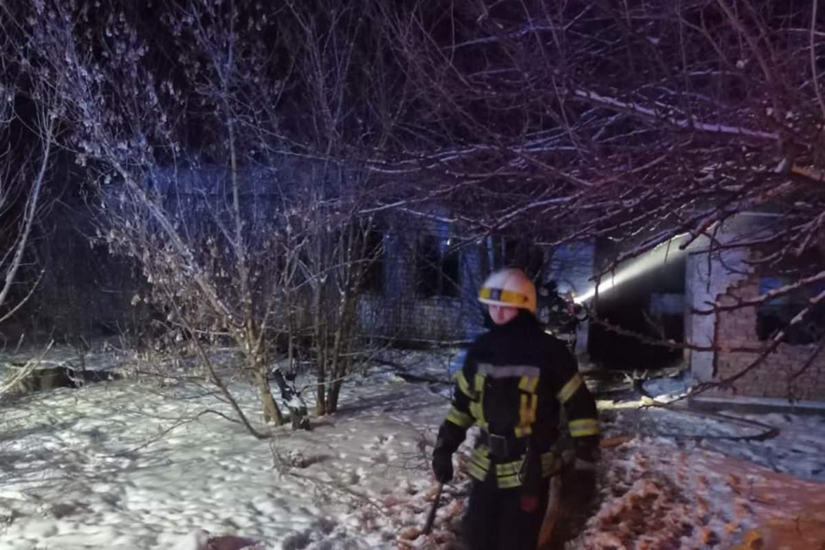 В Днепре загорелось здание: есть жертвы