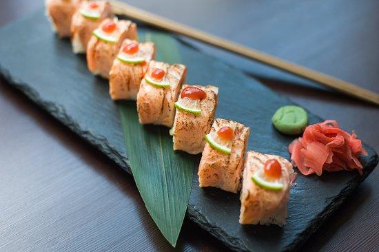 Вкусная японская еда от Якитории